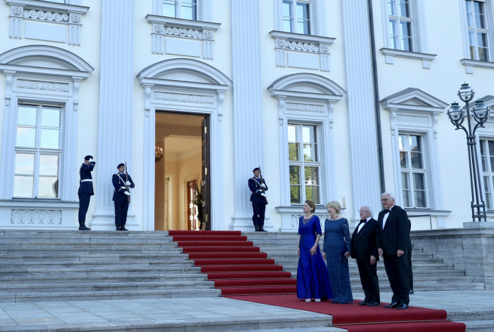 President and Sabina attend a State Dinner hosted by Mr. Frank-Walter Steinmeier, President of the Federal Republic of Germany and Mrs. Elke Budenbender