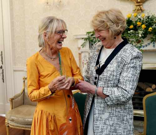 Sabina presents artist Pauline Bewick with the Kerry Association in Dublin Arts Award