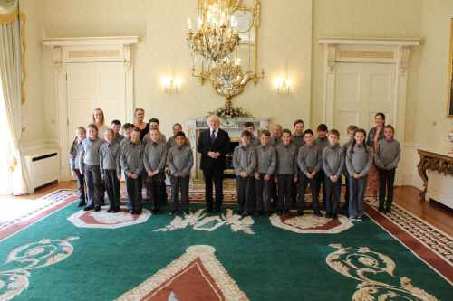 President receives Pupils from Scoil Chill Ruadháin