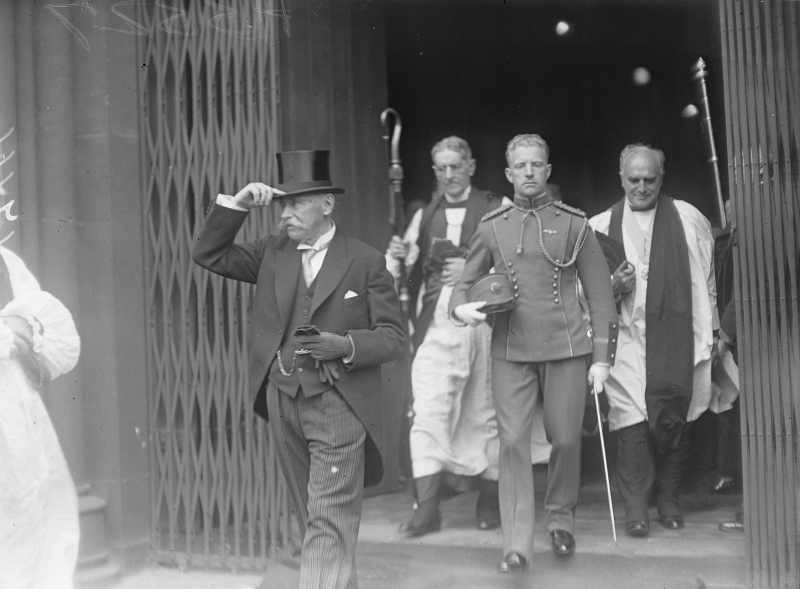 IND_H_3327 16934 Douglas Hyde Inauguration 25 June 1938 Leaving St Patrick's Catherdal Courtesy Independent News and Media Plc