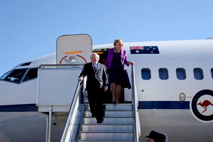 President and Sabina arrive at Canberra Airport, with full ceremonial honours