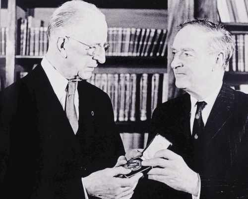 President De Valera presenting the Seal of office to Taoiseach Liam Cosgrave