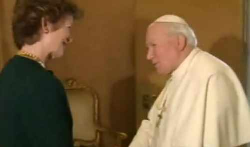 President Robinson meets Pope John Paul II in Rome